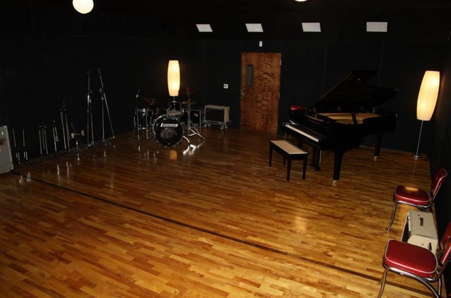 6-recording-space